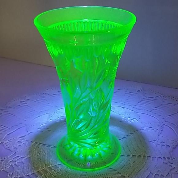 Beautiful Green Uranium Glass Vase